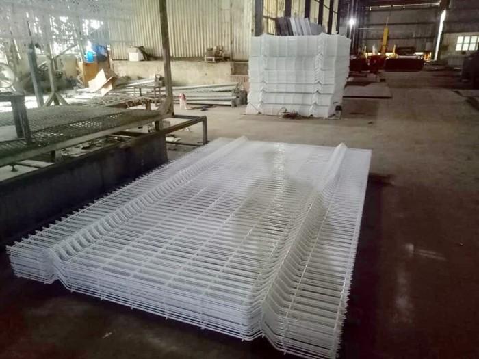 Sản xuất Hàng rào lượn sóng, hàng rào uốn sóng trên thân5