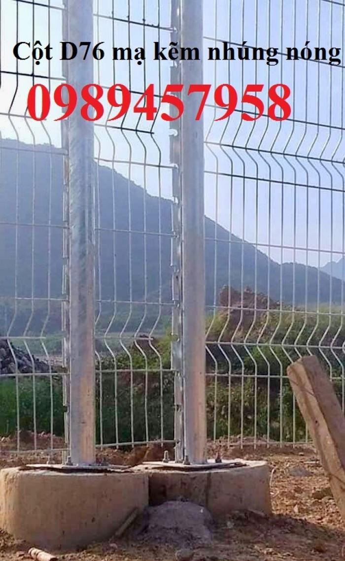 Hàng rào thép sơn tĩnh điện với màu sắc theo yêu cầu0