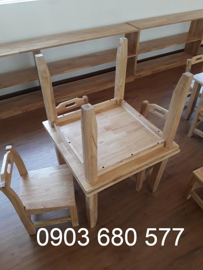 Cung cấp bàn ghế GỖ cho các bé mầm non giá cực RẺ1