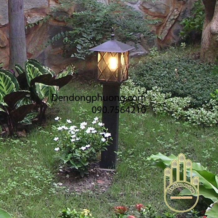 đèn trụ đứng sân vườn0