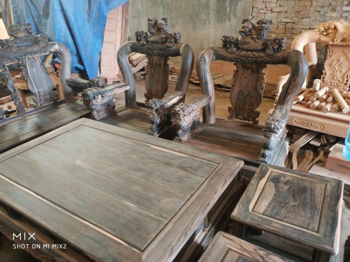 Bộ bàn ghế nghê đỉnh gỗ mun lào9