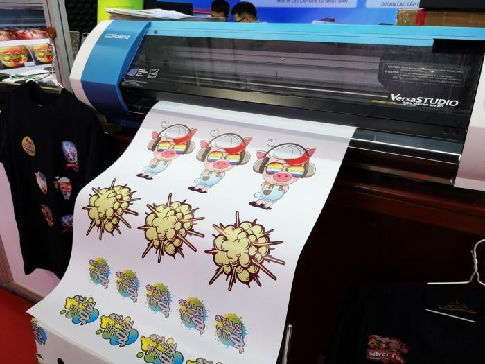 máy in và cắt decal, máy in decal sticker, máy in sticker, máy in áo thun2