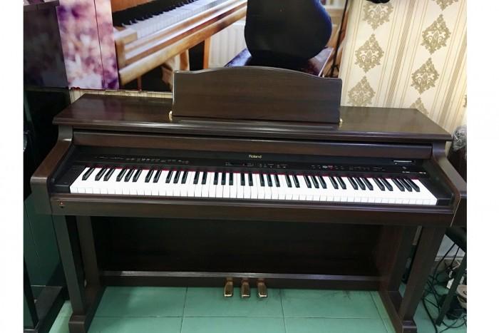 PIANO ROLAND HP3800G1