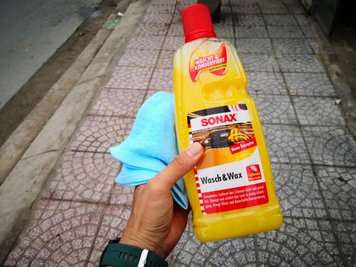 Nước Rửa Xe Đa Năng Bóng Sơn Kết Hợp Sonax Wash & Wax 313341 1000ml Tặng Khăn 2