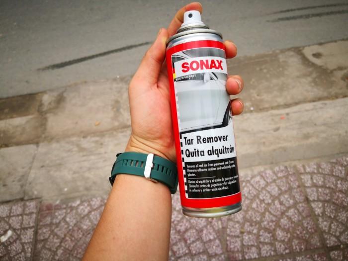 - Loại bỏ toàn diện nhựa đường và keo băng dính cùng các chất bẩn cứng đầu trên bề mặt sơn cũng như hốc bánh xe, gầm
