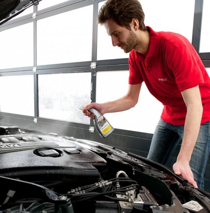 Công dụng:  Làm sạch toàn diện chất bẩn, dầu mỡ ra khỏi máy và các bộ phậ...