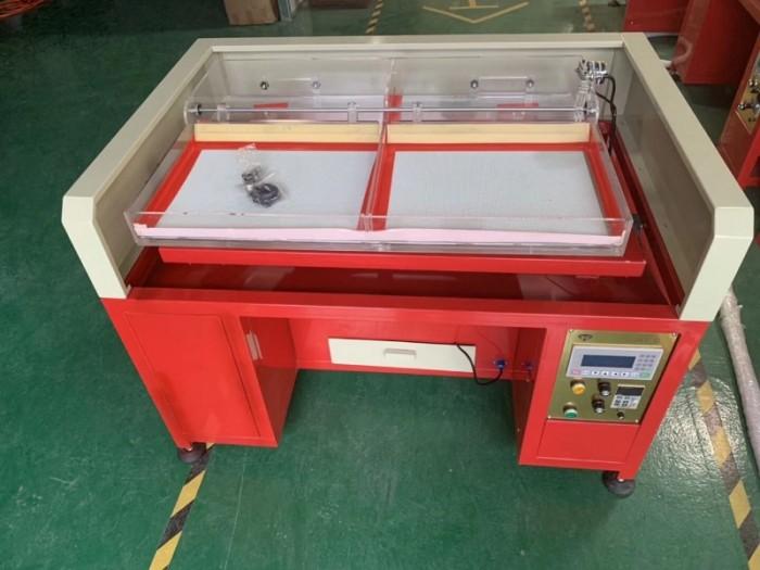 Sản phẩm này là loại máy chuyên về ngành dá ủi.  Máy đa chức năng, tốc độ làm việc nhanh, tiết kiệm được nhiều thời gian khi làm bằng thủ công, lim cương giả, đá ủi.9