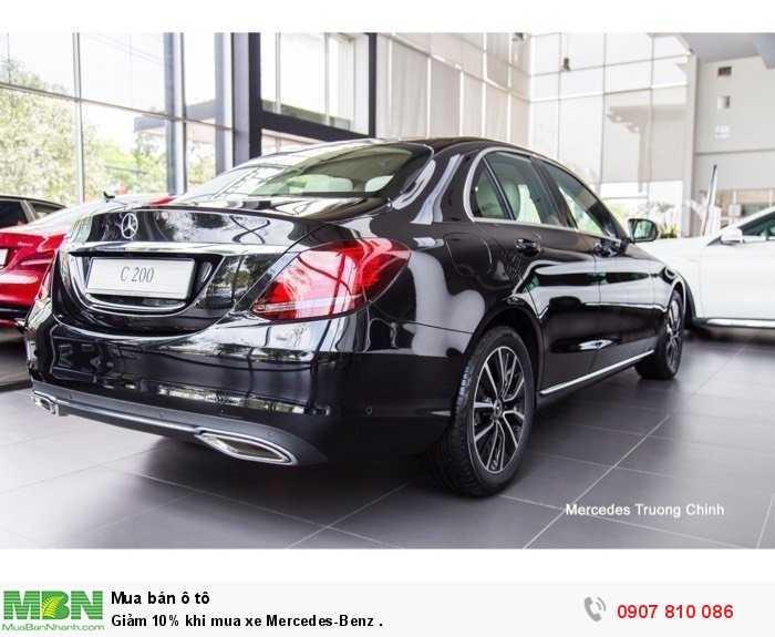 Giảm 10% khi mua xe Mercedes-Benz .