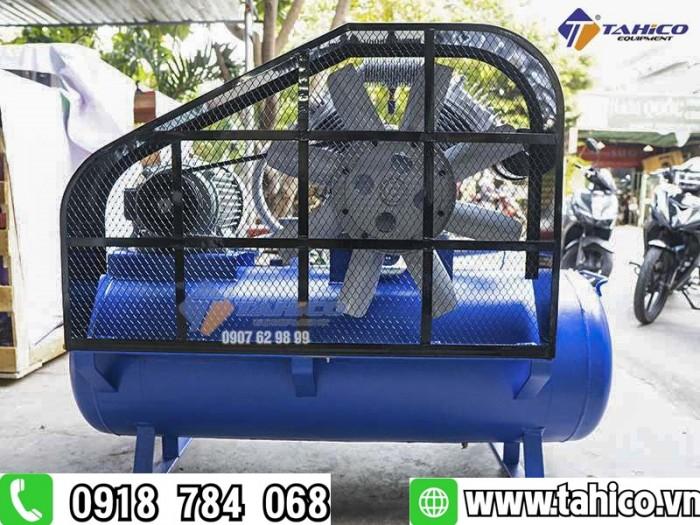 Máy nén khí shark 2 cấp 5hp dùng cho tiệm rửa xe ô tô1