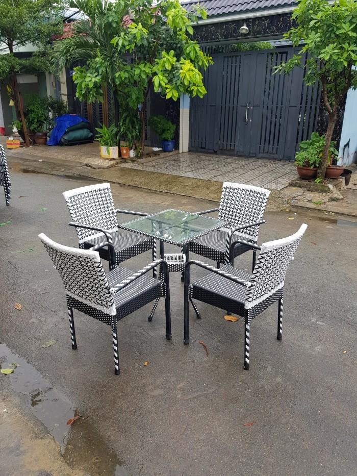 bàn ghế cafe ngoài trời giá rẻ tại sài gòn3