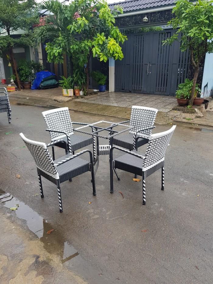 bàn ghế cafe ngoài trời giá rẻ tại sài gòn2