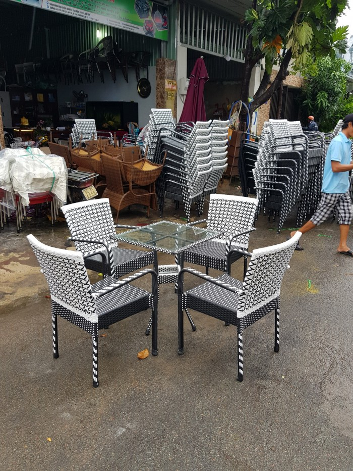 bàn ghế cafe ngoài trời giá rẻ tại sài gòn0