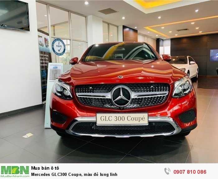 Mercedes GLC300 Coupe, màu đỏ lung linh