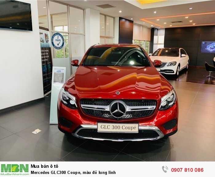 Mercedes GLC300 Coupe, màu đỏ lung linh 1