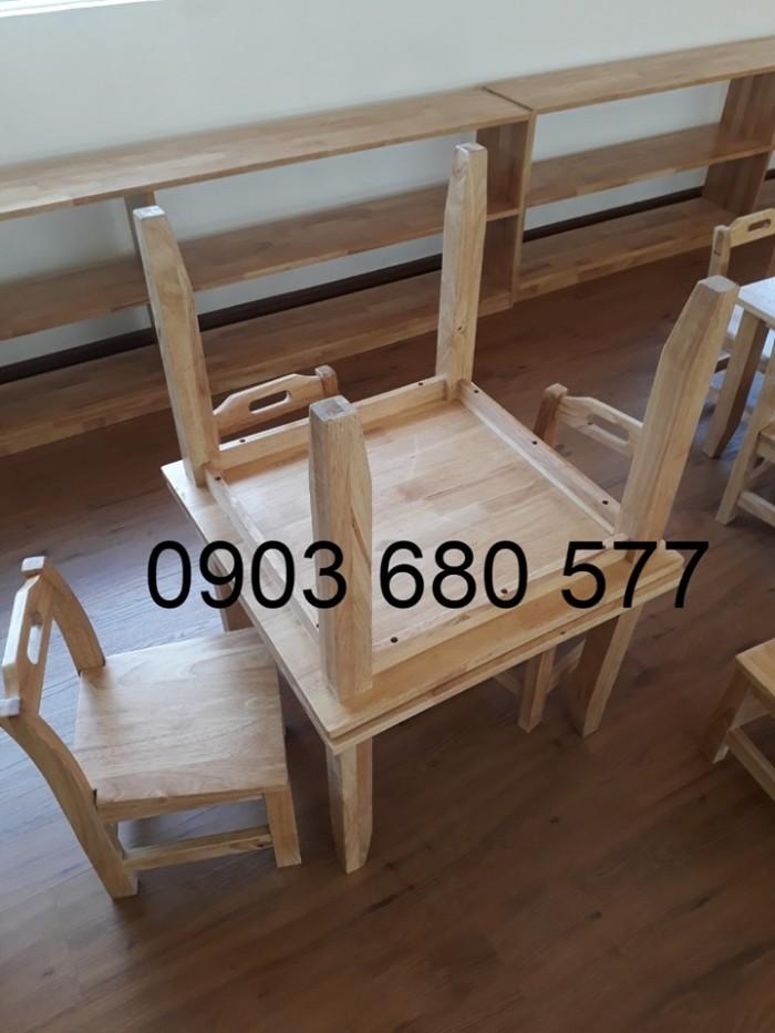 Chuyên bán bàn ghế bằng gỗ cho trẻ em mầm non giá ưu đãi7