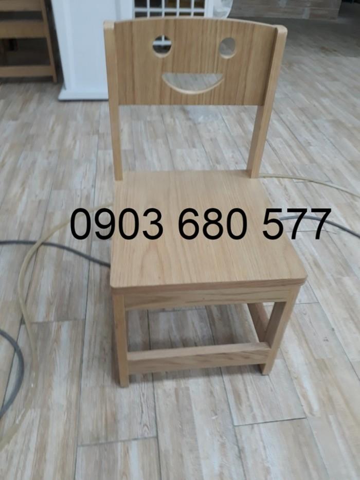 Chuyên bán bàn ghế bằng gỗ cho trẻ em mầm non giá ưu đãi3