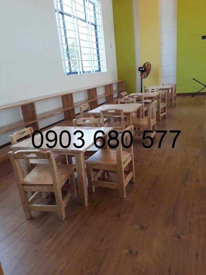 Chuyên bán bàn ghế bằng gỗ cho trẻ em mầm non giá ưu đãi2