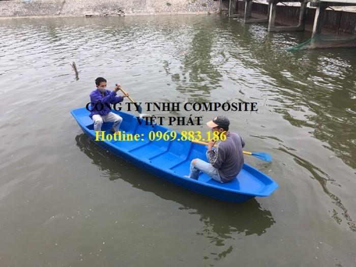 Thuyền composite: Dài 4m rộng 1.1m3