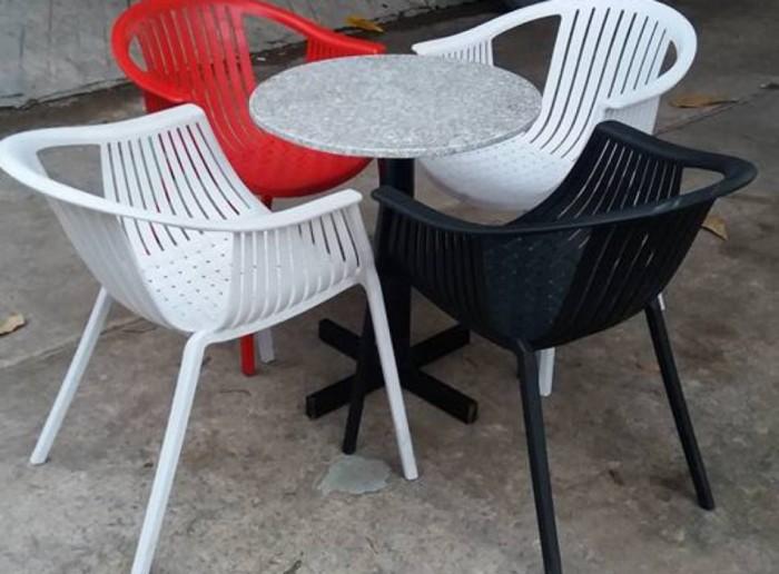 bàn ghế cafe chân gổ mặt miệm làm tại xưởng sãn xuất HGH 8240