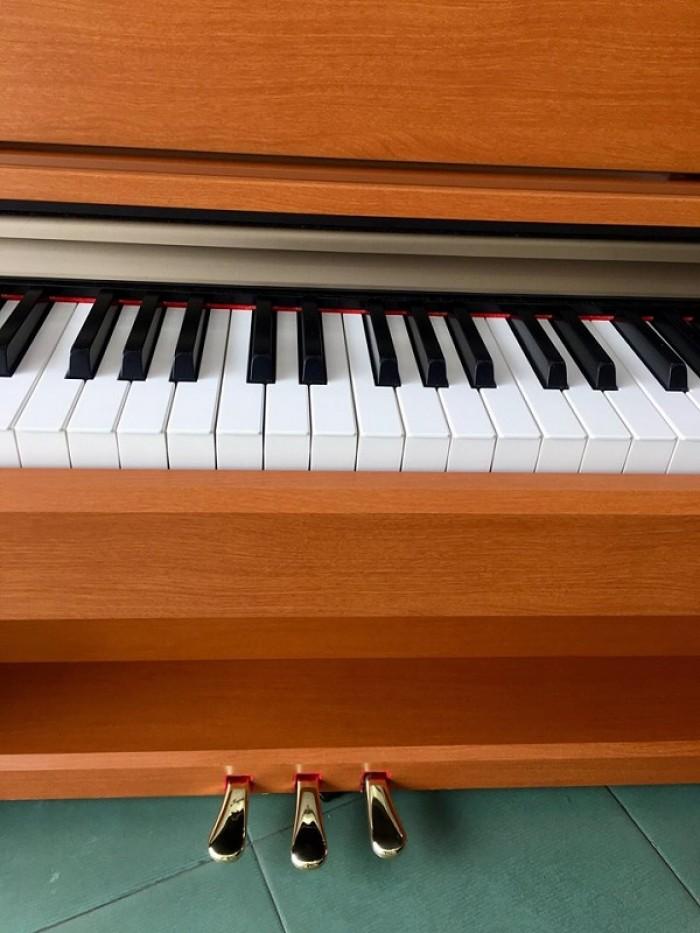 PIANO YAMAHA J-70001