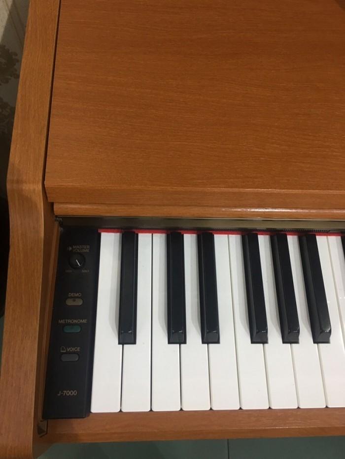 PIANO YAMAHA J-70002