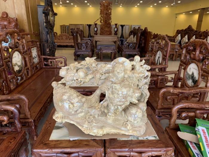 Tượng Phật Di Lặc gánh cành đào kéo bao tiền gỗ quý hiếm3