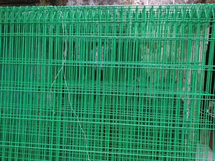 Hàng rào lưới thép hàn D5 a 50x150 mạ kẽm sơn tĩnh điện7