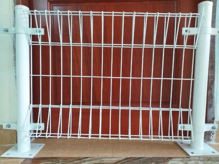 Hàng rào lưới thép hàn D5 a 50x150 mạ kẽm sơn tĩnh điện10
