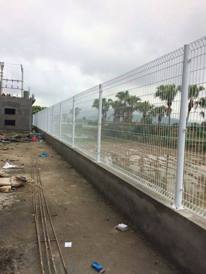 Hàng rào lưới thép hàn D5 a 50x150 mạ kẽm sơn tĩnh điện13