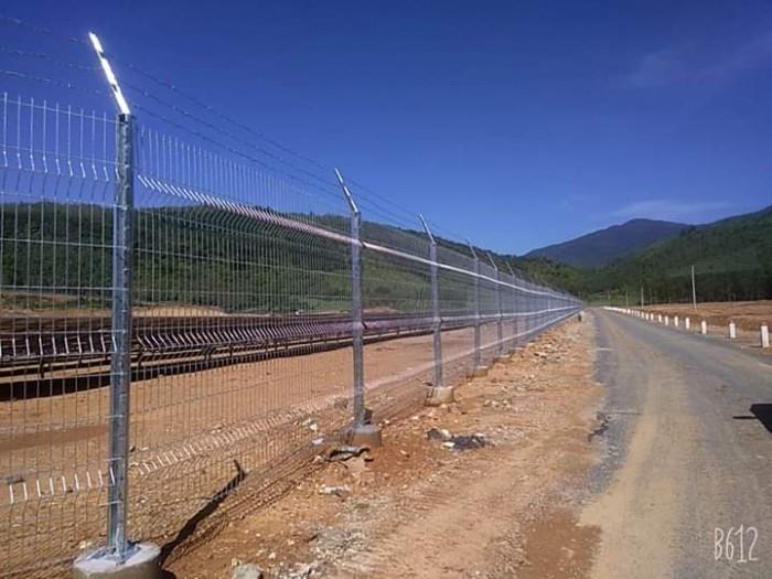 Hàng rào lưới thép hàn D5 a 50x150 mạ kẽm sơn tĩnh điện42