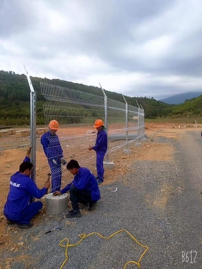 Hàng rào lưới thép hàn D5 a 50x150 mạ kẽm sơn tĩnh điện18
