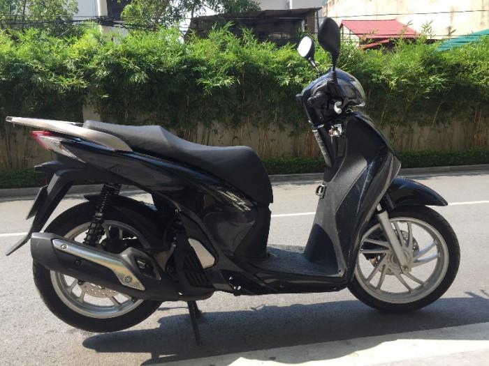 Chính chủ cần bán Honda Sh 125i VN màu đen còn nguyên bản chất lượng gần như mới, biển số Hà Nội đẹp. 0