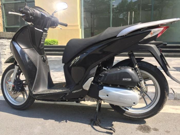 Chính chủ cần bán Honda Sh 125i VN màu đen còn nguyên bản chất lượng gần như mới, biển số Hà Nội đẹp. 1