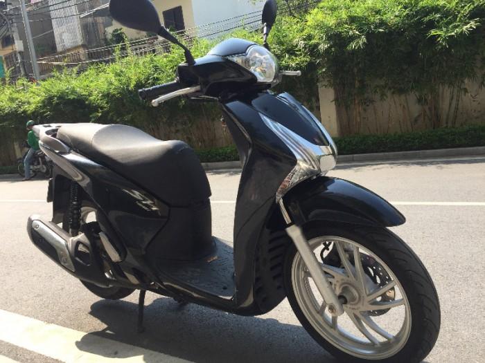 Chính chủ cần bán Honda Sh 125i VN màu đen còn nguyên bản chất lượng gần như mới, biển số Hà Nội đẹp. 2