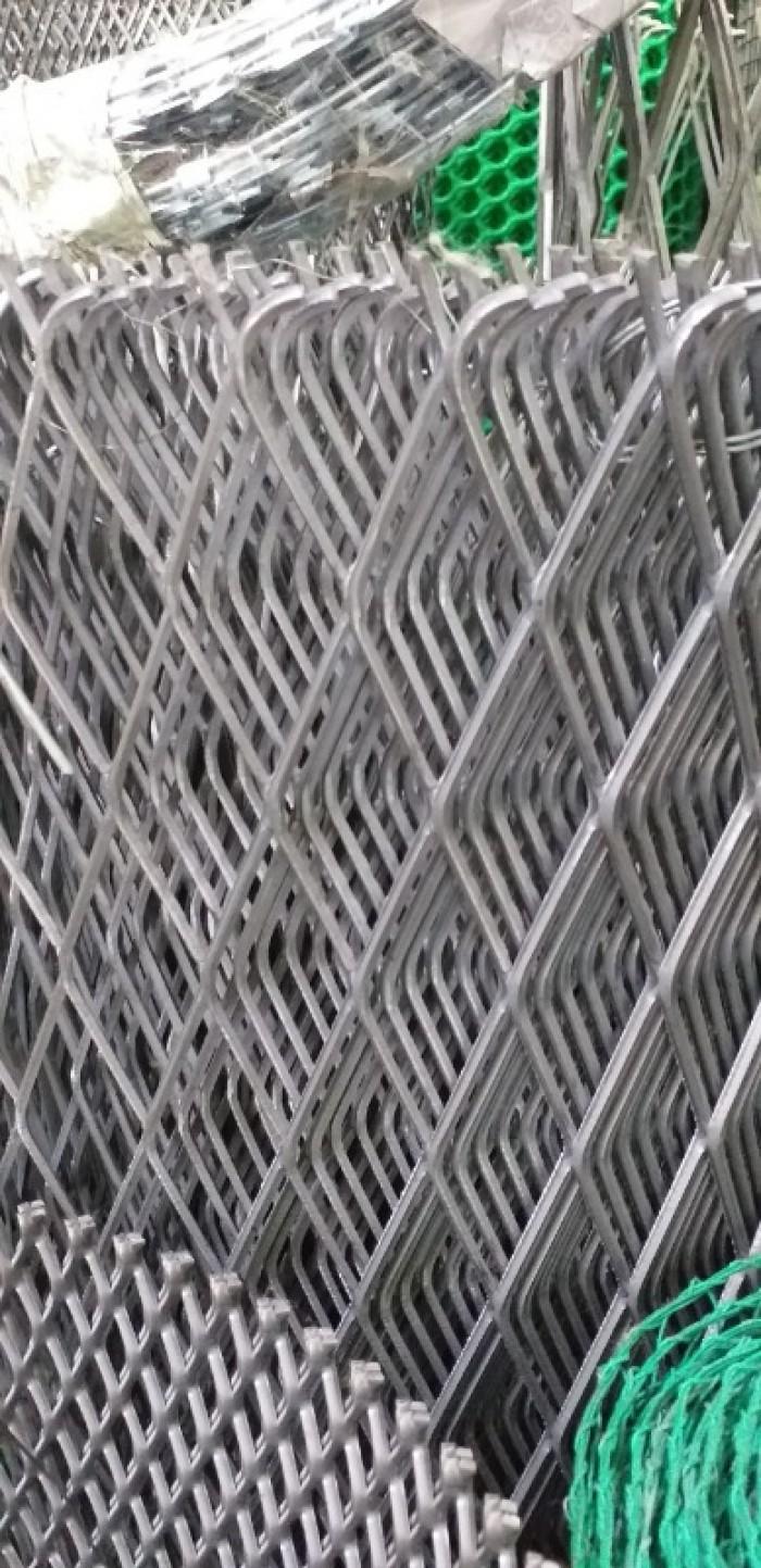 Lưới trám, lưới hình thoi, lưới kéo giãn hàng sẵn kho13