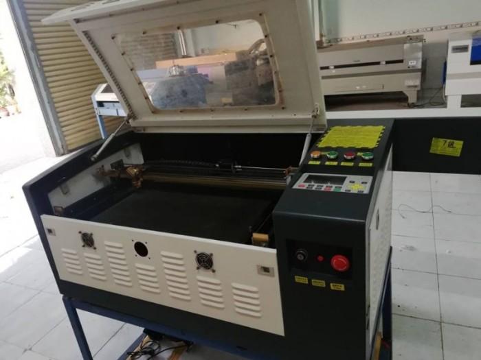 Máy laser 6040 cắt khắc mica làm tem nhãn tủ điện