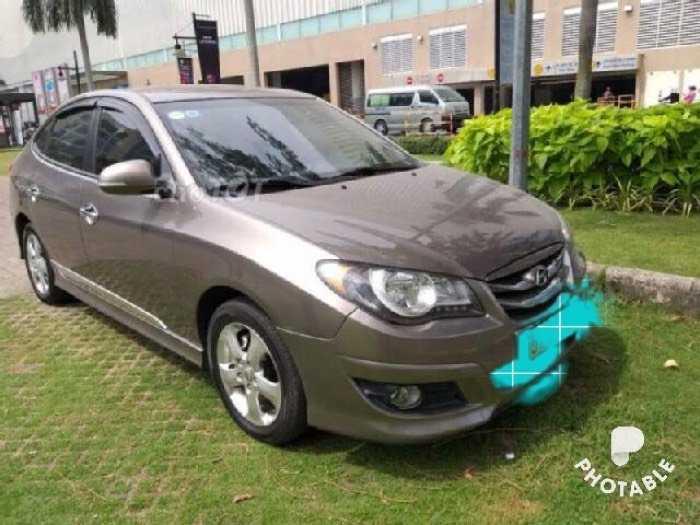 Hyundai Avante sản xuất năm 2012 Số tự động Động cơ Xăng