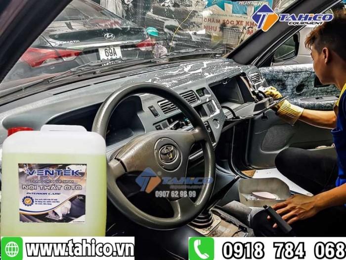 Dung dịch vệ sinh làm sạch nội thất xe ô tô du lịch Ventek 20 lít0
