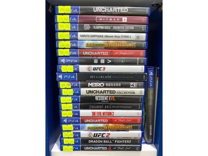 Thanh lý máy PS4 Fat like new đẹp lung linh2