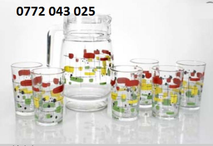 Bộ bình thủy tinh gồm 1 bình và 6 ly là bộ sản phẩm2