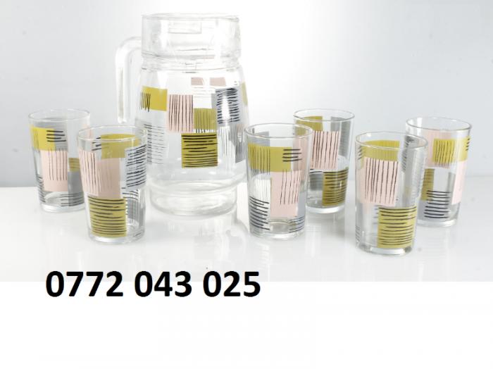 Bộ bình thủy tinh gồm 1 bình và 6 ly là bộ sản phẩm8