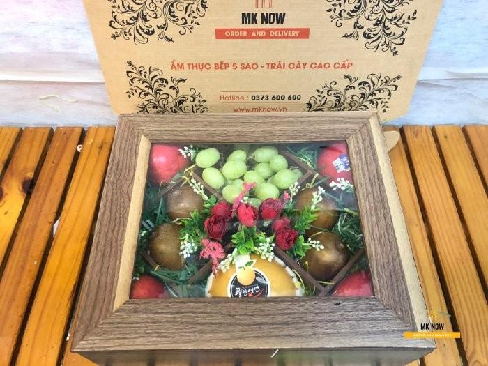 Đặthộp trái cây quà tặng Giáng Sinh- FSNK103 từ MKnow làm quà biếu tặng ý nghĩa cho đối tác, khách hàng, nhân viên, bố mẹ hai bên, bạn thân,...0