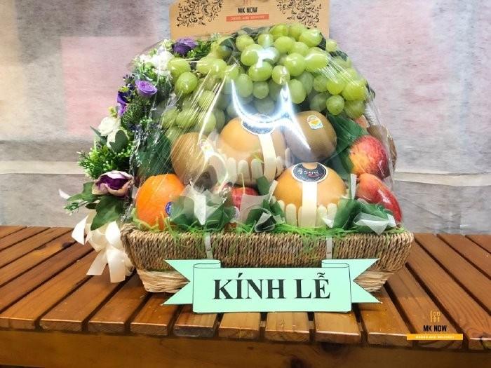 Đặt Mknow chuẩn bị Giỏ trái cây viếng lãnh đạo - FSNK100 - giỏ trái cây nhập khẩu cao cấp giao tận nơi1
