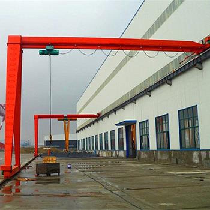 Bán cổng trục trong xưởng1