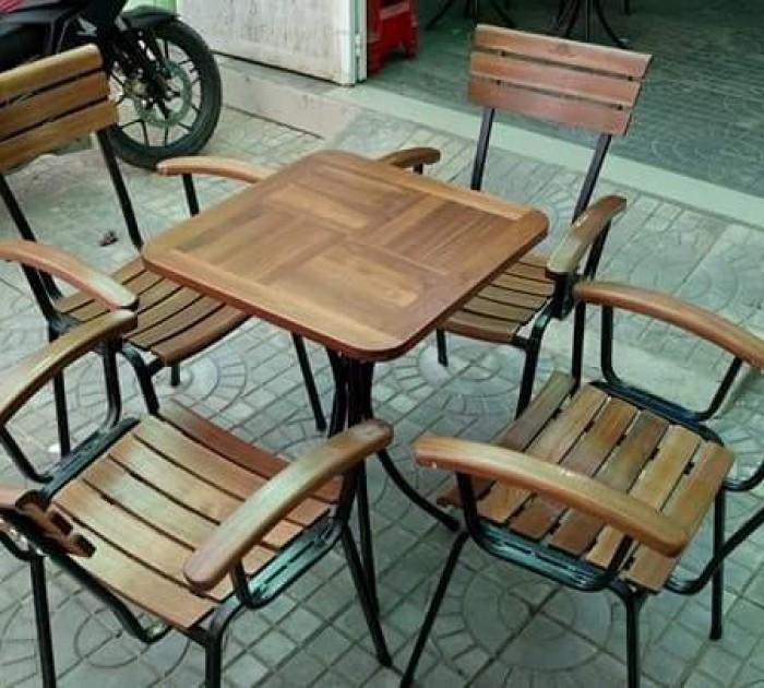 Thanh lý bộ bàn ghế cafe chân sắt sân vườn cao cấp giá rẻ tphcm2