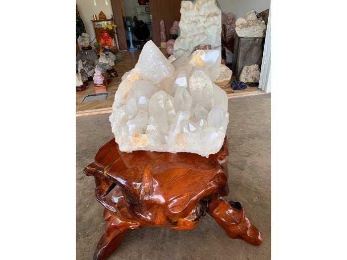 tinh thể đá thạch anh pha Lê khủng 39 kg thiên nhiên0
