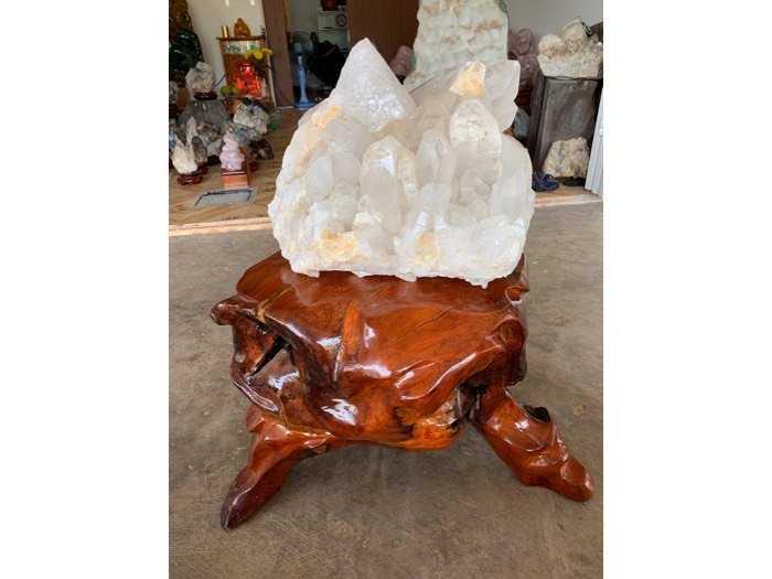 tinh thể đá thạch anh pha Lê khủng 39 kg thiên nhiên2