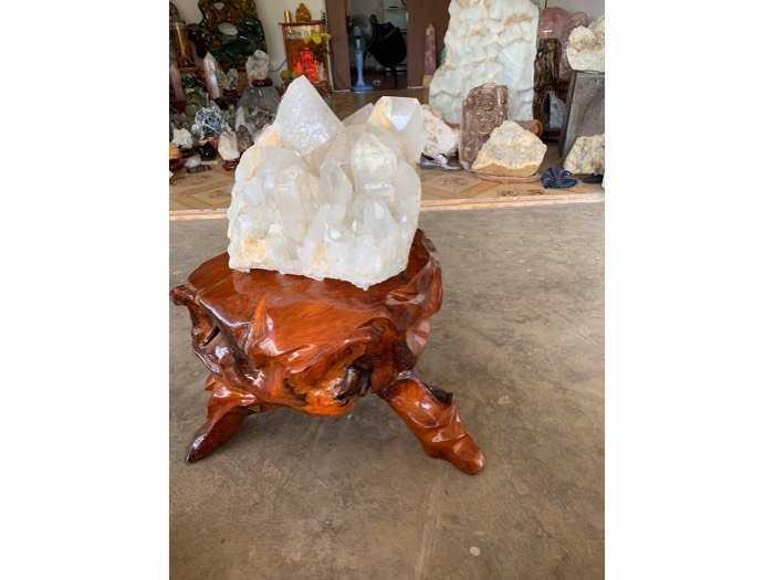 tinh thể đá thạch anh pha Lê khủng 39 kg thiên nhiên3