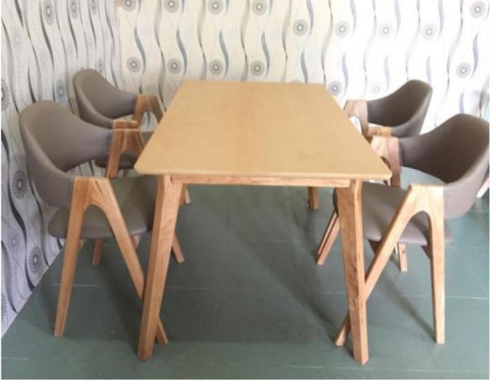 Bộ bàn ghế ăn chữ A0