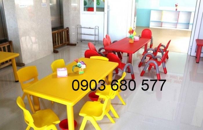 Cần bán bàn nhựa hình chữ nhật cho trẻ em mầm non4